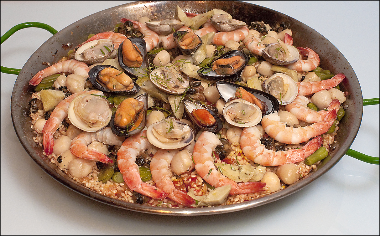Dinner party recipes ideas paella with seafood snails paella forumfinder