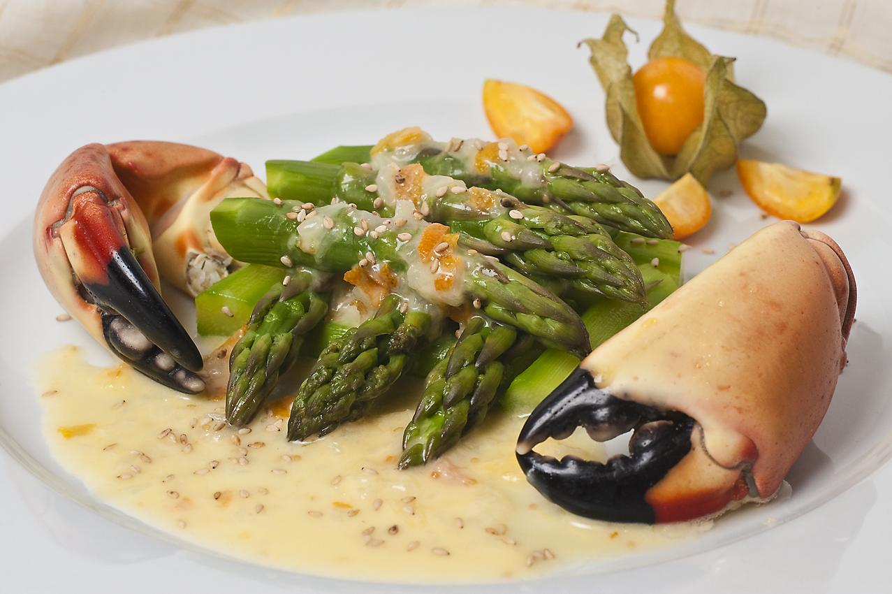 stone_crab_asparagus
